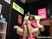 女性専用のビデオルームにギャルを入れてみた結果やっぱりギャルはエロエロな動画像無料