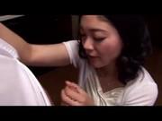 手こキ動画おばさんが息子のチンポを入念にフェラチオ動画像無料